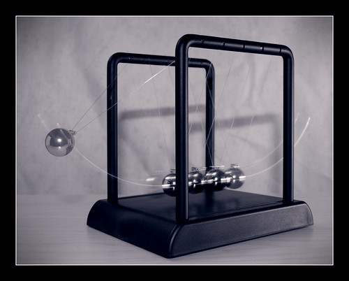 newtons cradle 4 | by whisperwolf