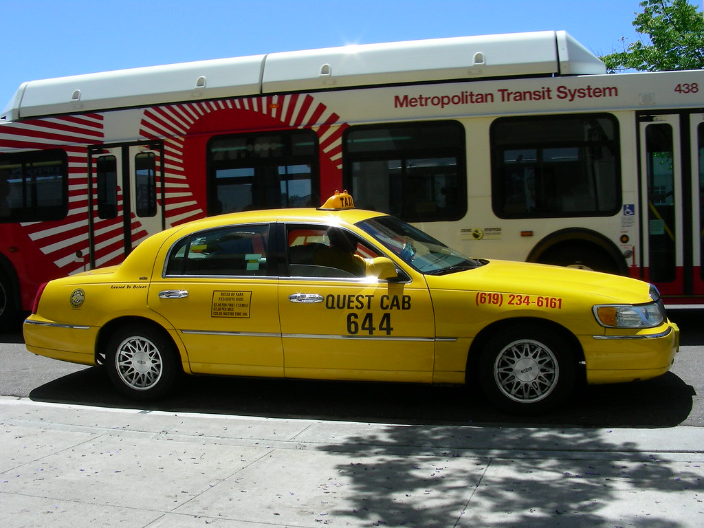 Lincoln Taxi Lincoln Town Car Taxi In Hillcrest San Diego So