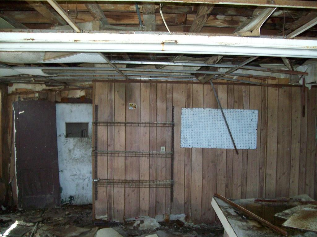 abandoned 1949 Yeehaw Junction autoshop | yeeeck nothing to … | Flickr