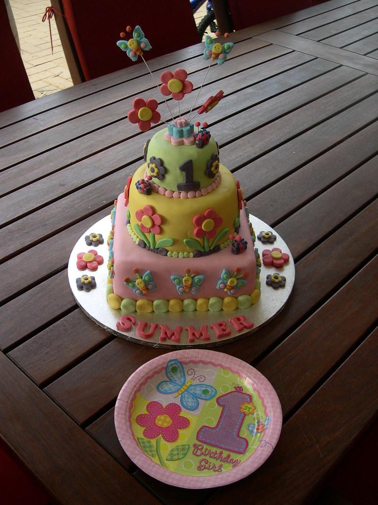 Mossys Masterpiece Summers 1st Birthday Cake Hugs N Stit Flickr