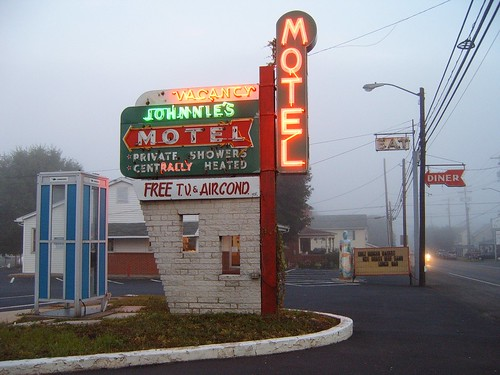 Johnnie's Motel Side View | by suzysputnik