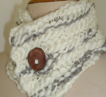 handspun merino neck warmer | by drawing words