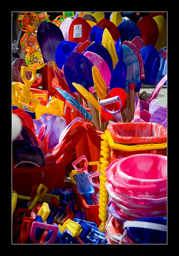 Beach Buckets & Spades in the harbour at Padstow | by iboogaloo