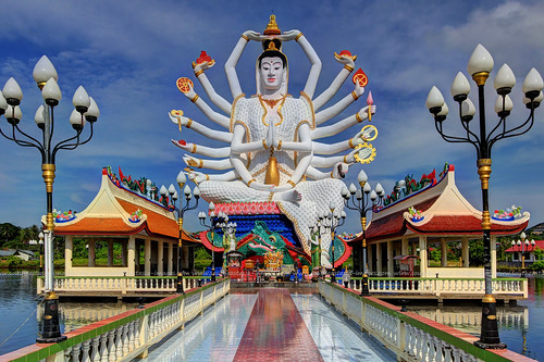 18 Arms are Better than 2 !!!  /  Wat Plai Laem / Koh Samui (Island) / Thailand | by I Prahin | www.southeastasia-images.com