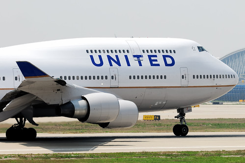 United Airlines Boeing 747-422 nose N127UA  MSN 28813 | by Jimmy LWH