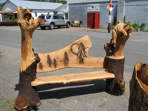 Bench with chainsaw carvings