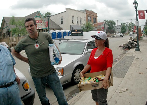 Kurt Warner returns home to Cedar Rapids | by American Red Cross