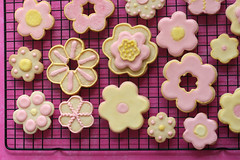 Sugar Cookie Flowers | by Bakerella