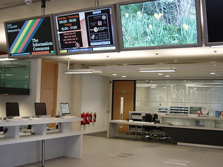 Help Desk, Information Commons, The University of Sheffield | by jisc_infonet