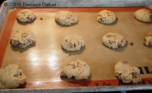 Gluten Free Peanut Butter Chocolate Chip Cookies | by Dianne's Dishes