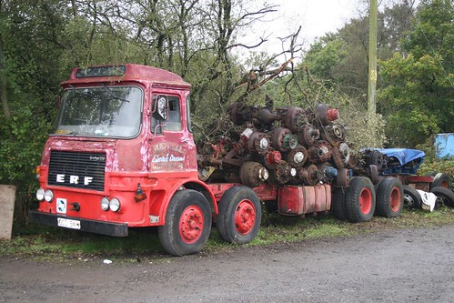 How many axles on this lorry? | by SemmyTrailer