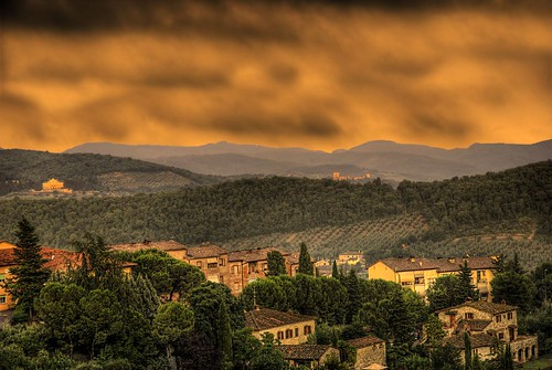 the sun over tuscany | by antonious   (www.anthonyaphoto.com)