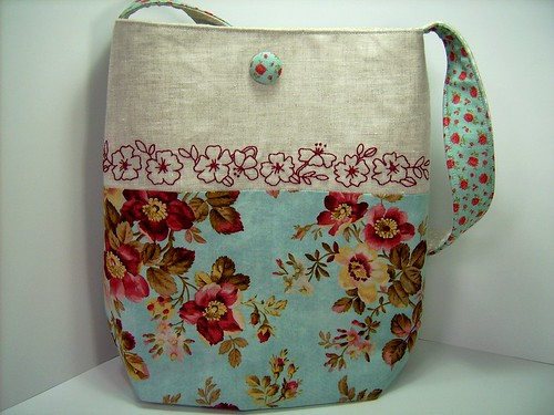 FLOWERS ON LINEN SHOULDER BAG | by DashasCreations