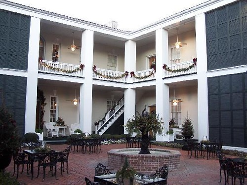 1000  images about Monmouth Historic Inn on Pinterest | Gardens ...