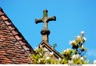 Cross on the roof | by MarkusR.