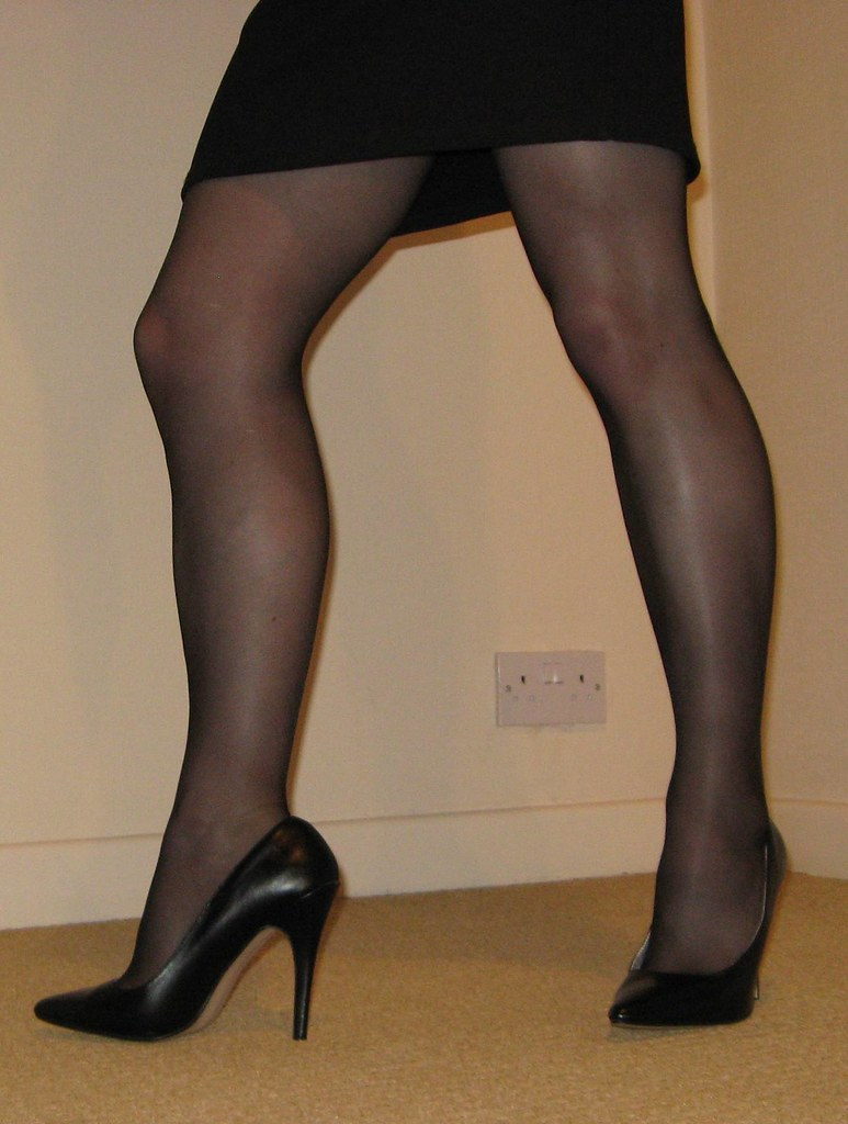 Crossdressers in pantyhose and heels