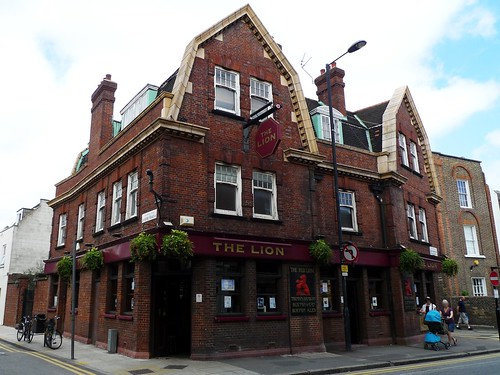 Lion Stoke Newington N16 A Traditional Pub In An Attract Flickr