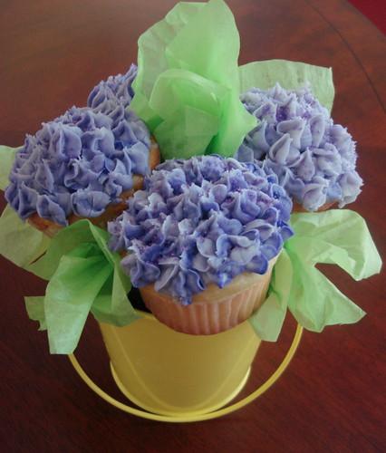 Hydrangea cupcake bouquet paula hennig flickr