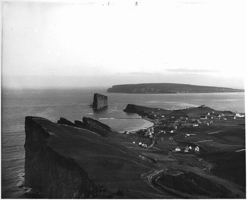 Percé, QC, about 1900 | by Musée McCord Museum