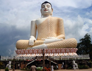 Statue of Lord Buddha at Kandeviharaya, Aluthgama, Sri Lanka | by YIM Hafiz