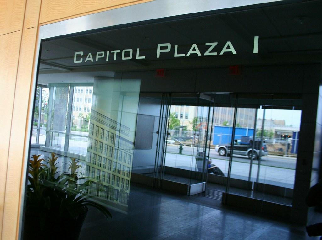 Capitolplaza1lobby31mwdc3may08 Capitol Plaza 1 Lo Flickr