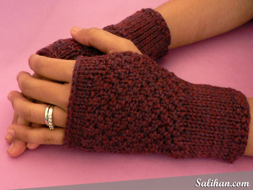 Red Tweed Handwarmers | by :Salihan