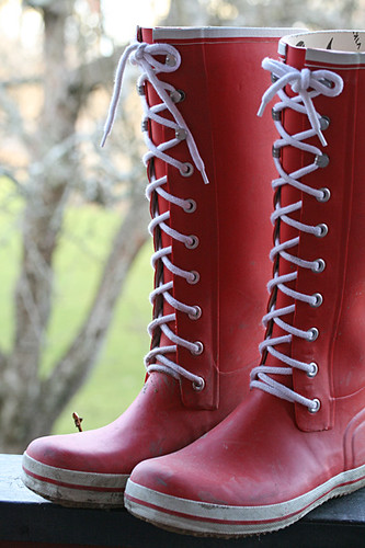 Red retro rubber boots | by Craft & Creativity