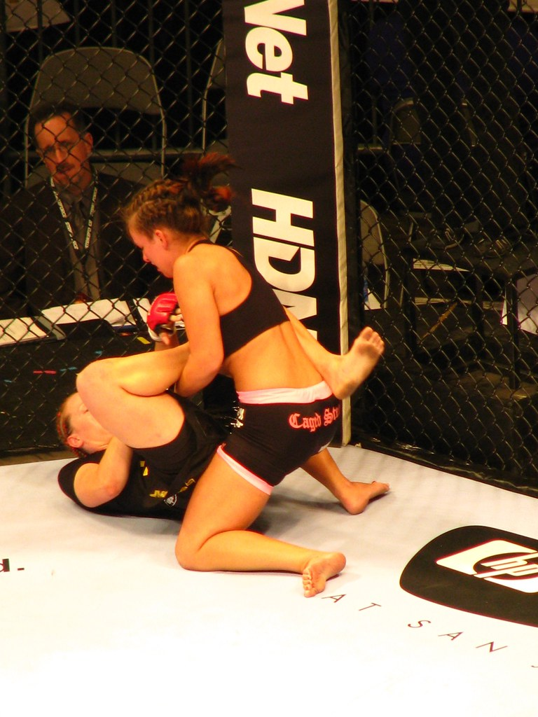 Elaina Maxwell mixed martial arts