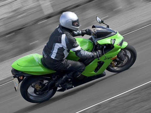 Kawasaki Ninja heading into Duffus Dip (mostly mono) | by gdelargy