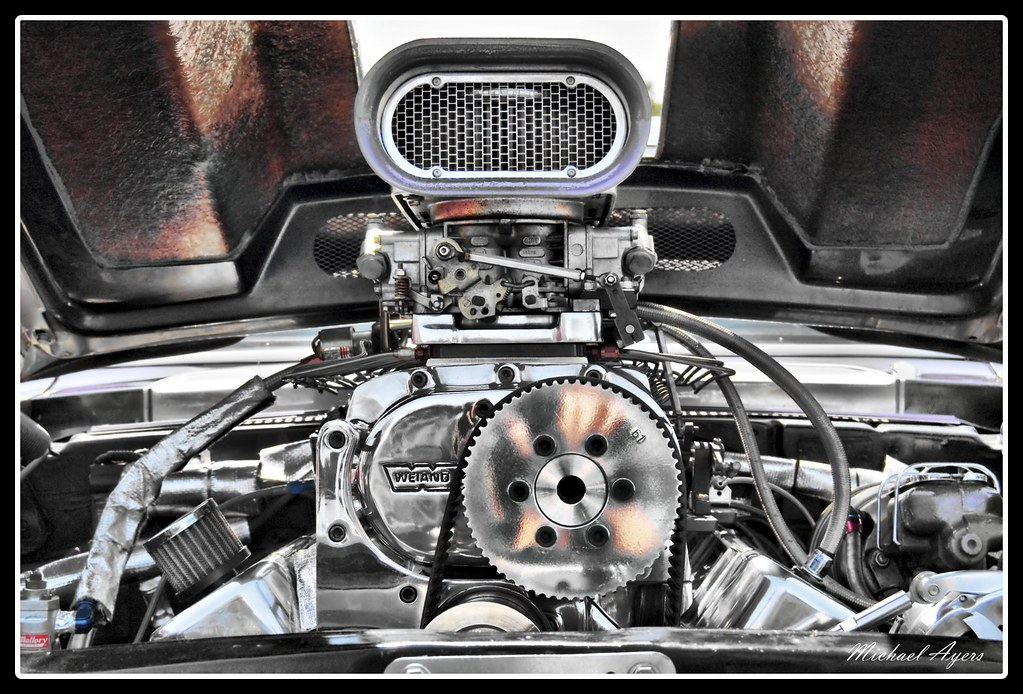 Muscle Car Motor Engine Hdr Picture Of A Muscle Car Moto Flickr