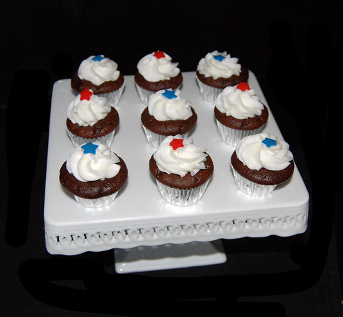 4th of July mini cupcakes | by Sweet Shoppe Mom and Simply Sweets