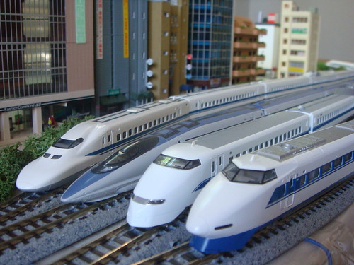 JR West Shinkansen Line Up, from left, 700 series, 500 series, 300 series, and 100 series | by foolish adler