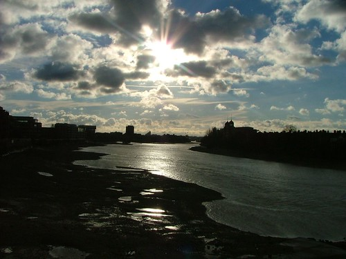 2005-12-16-001_1 London  River Thames Stormy sky view downstream from Hammersmith Bridge | by Martin-James