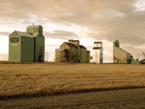 Grain Elevators in a Row | by TravLCox