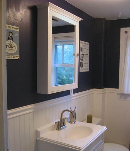 White Bathroom Vanity Decorating Ideas