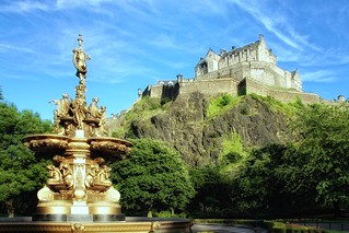 Edinburgh Castle from Princess Street Gardens | by g.naharro