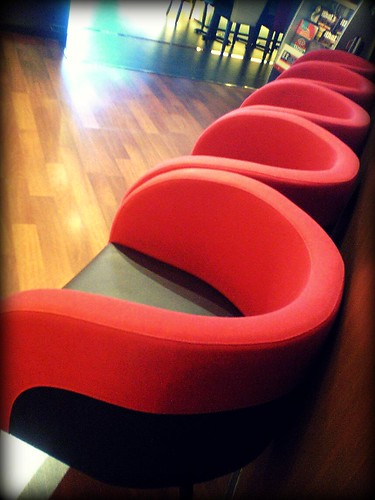 Red sofa 。 With the magic of magic, I have the hidden implication | by Magic FF Crazy work