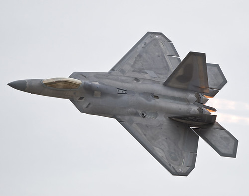 Raptor's Airshow Demonstration | by Lockheed Martin