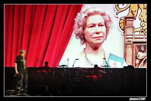 Even the Queen came to see Jay-Z at Glastonbury 2008 | by solamore