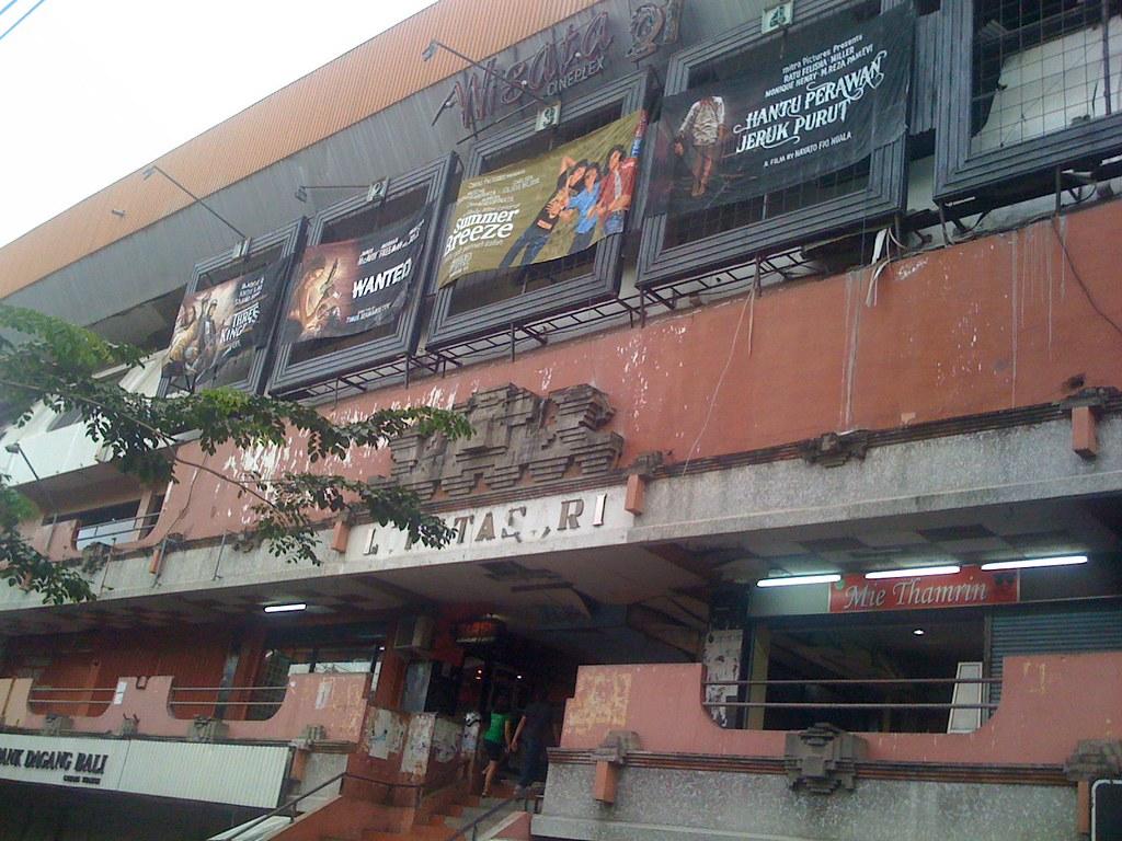 Tampak Depan Bioskop Wisata  Denpasar By O Gi Web Id