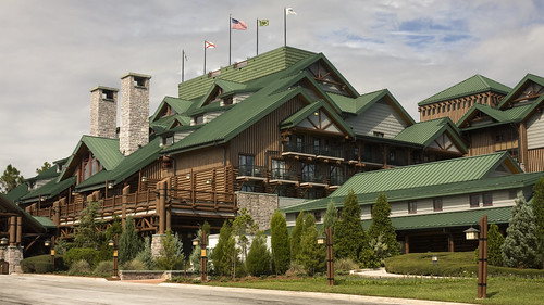 Front of Disney's Wilderness Lodge