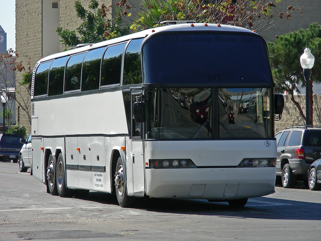 NEOPLAN STARLINER P12 coach buses for sale, tourist bus, tourist ...