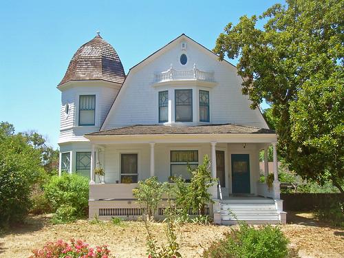 Dutch colonial revival house santa clara california for Clara house