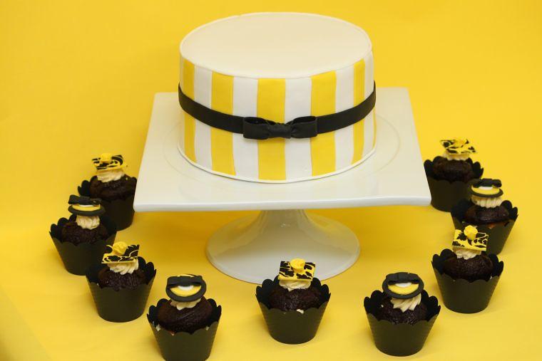 Hochzeitstorte Modern Mit Cupcakes Gelb Schwarz Www Suess Flickr