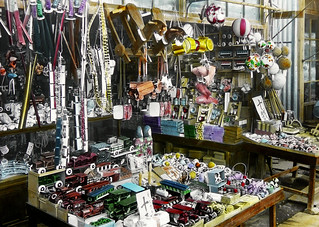 TIN TOYS and STUFF GALORE -- A Toy Store in Japan | by Okinawa Soba (Rob)