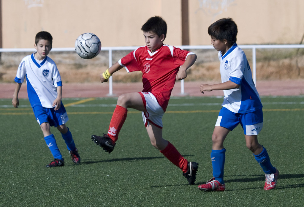 Futbol Ninos Ninos Jugando Al Futbol Engodella Toni Encontrando