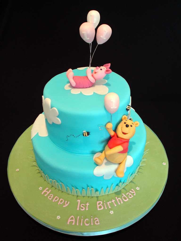 Winnie The Pooh 1st Birthday Cake I Made This For My Niece Flickr