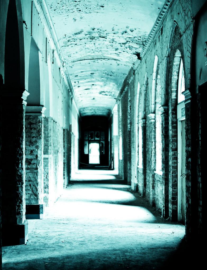 Spooky corridor, at Bow My Minions