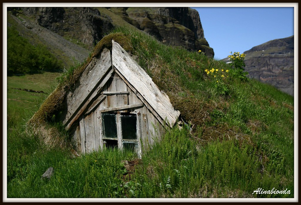 Smallest House In The World the smallest house in the world | nice little house in icela… | flickr
