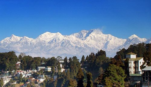 Mt. Kangchenjunga and part of Darjeeling town | by ßiÖ ĦäŹäЯđ